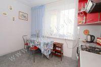 Выбирайте жилье в Феодосии – квартиры - Небольшой обеденный столик