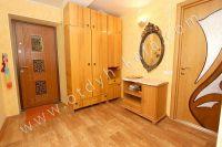 Выбирайте жилье в Феодосии – квартиры - Светлая прихожая