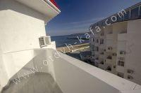 Квартиры в Крыму на берегу моря, снять без хлопот - Балкон с видом на море.
