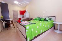 Комфортный отдых в Феодосии у моря - Просторная спальня.
